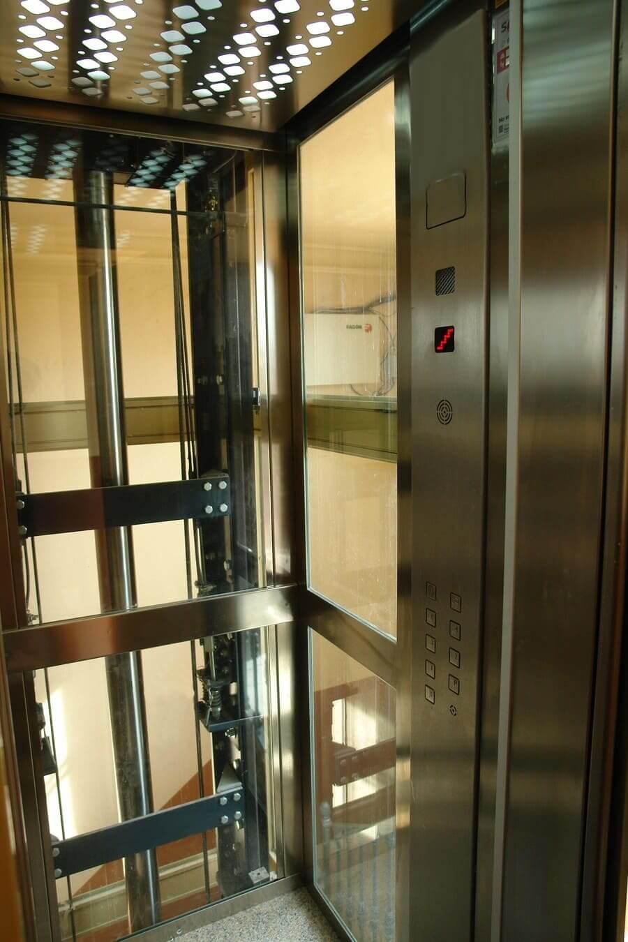 Instalaci n de un ascensor en foso reducido dictator - Precio instalacion ascensor ...