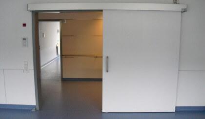 Colocar Dictamat 50 para ahorrar energía en las puertas correderas