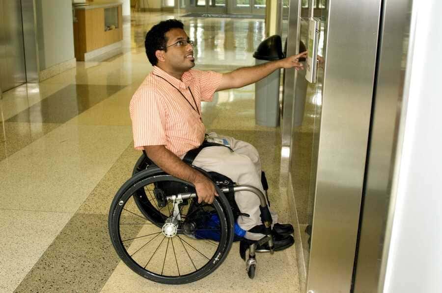 características ascensor accesible?