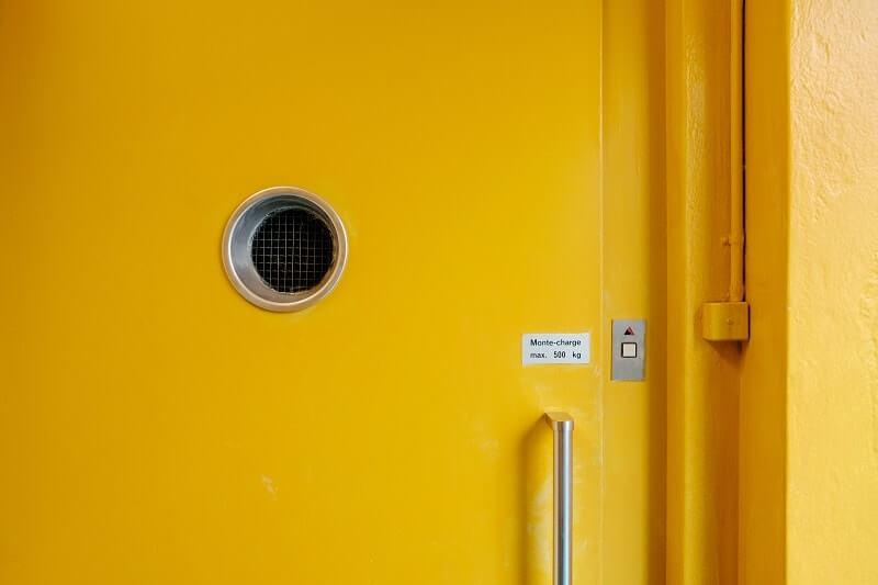 Qué hacer si se avería un ascensor