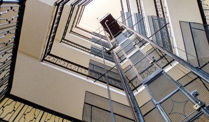 ¿Cuál es el precio de un ascensor de tres plantas?