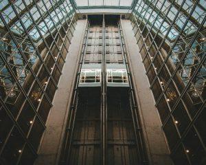 Ascensores verticales para personas
